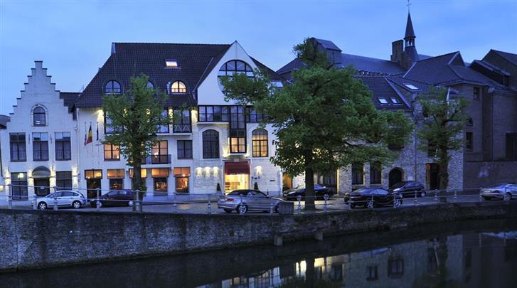 Brugge, Hotel De'Medici, Façade hotel