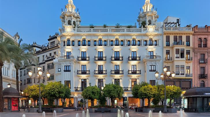 Córdoba, Hotel H10 Palacio Colomera, Façade hotel