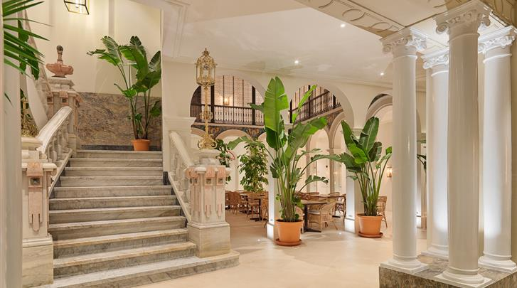 Córdoba, Hotel H10 Palacio Colomera, Lobby