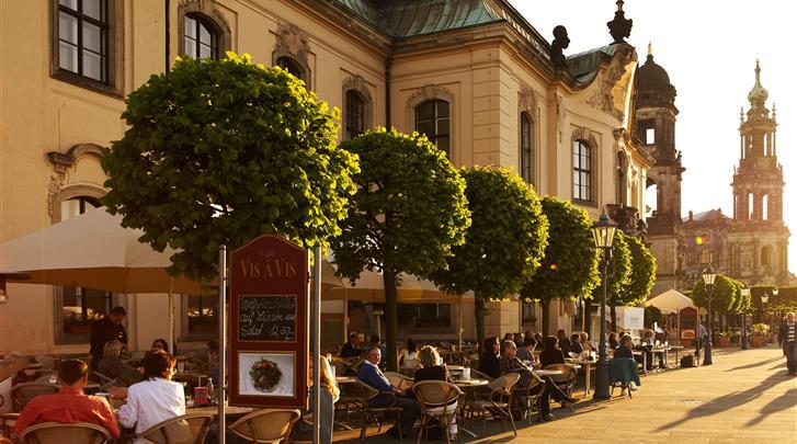 Dresden, Hotel Hilton Dresden, Hotelcafé aan de Brühlsche Terrasse