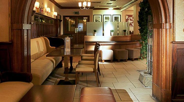Dublin, Hotel Cassidys, Hotel bar