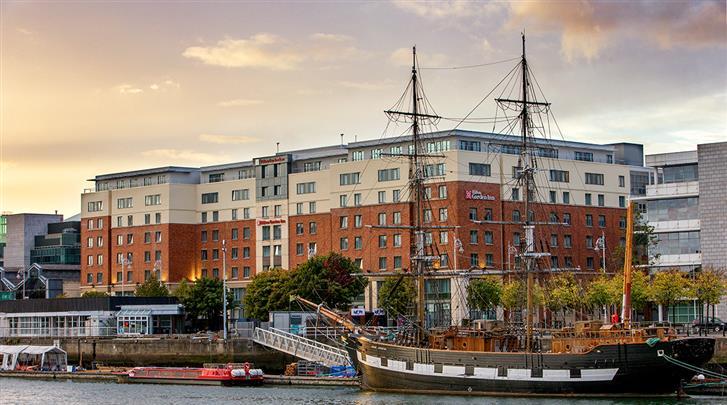 Dublin, Hotel Hilton Garden Inn Dublin Custom House, Façade hotel