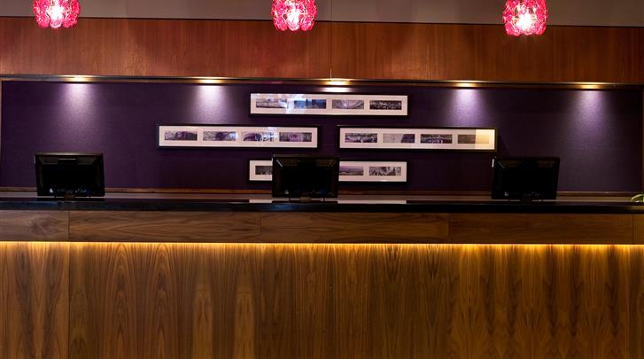 Dublin, Hotel Jurys Inn Parnell Street, Receptie