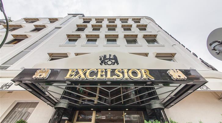Düsseldorf, Novum Hotel Excelsior Düsseldorf, Façade hotel