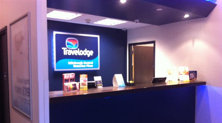 Edinburgh, Hotel Travelodge Central Waterloo Place, Receptie