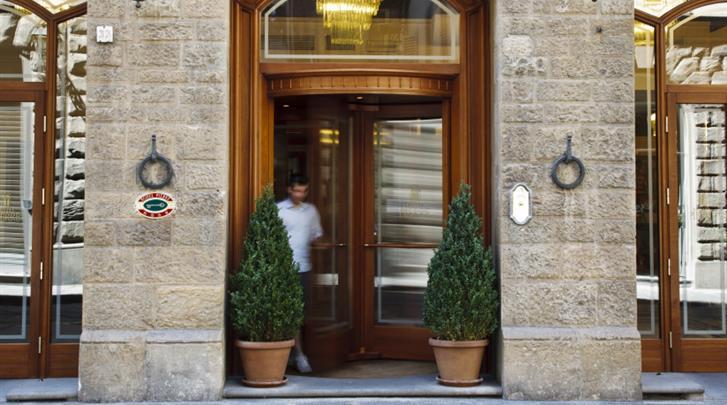 Florence, Hotel Pierre, Façade hotel