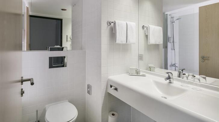 Hamburg, Hotel Arcotel Rubin, Badkamer