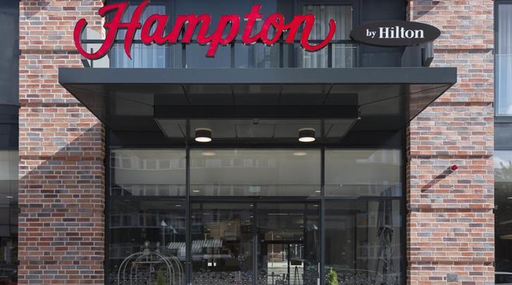 Hamburg, Hotel Hampton by Hilton Hamburg City Centre, Façade hotel