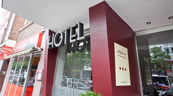 Hamburg, Novum Hotel Savoy, Façade hotel