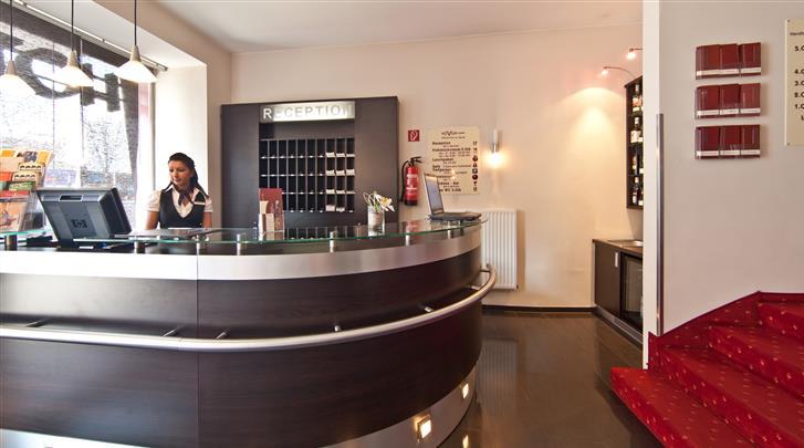 Hamburg, Novum Hotel Savoy, Receptie