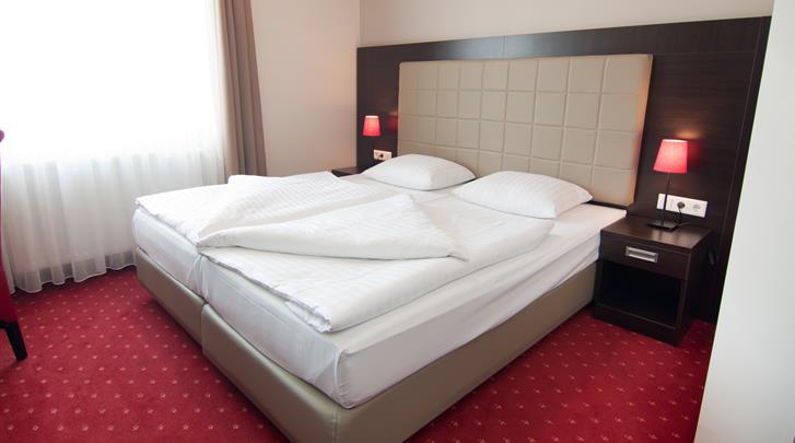 Hamburg, Novum Hotel Savoy, Standaard kamer