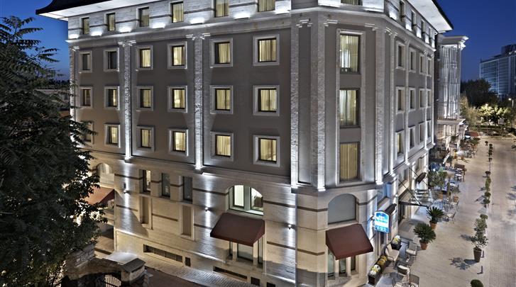 Istanbul, Hotel Senator, Façade hotel