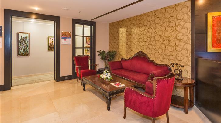 Istanbul, Hotel Beyaz Saray, Lobby