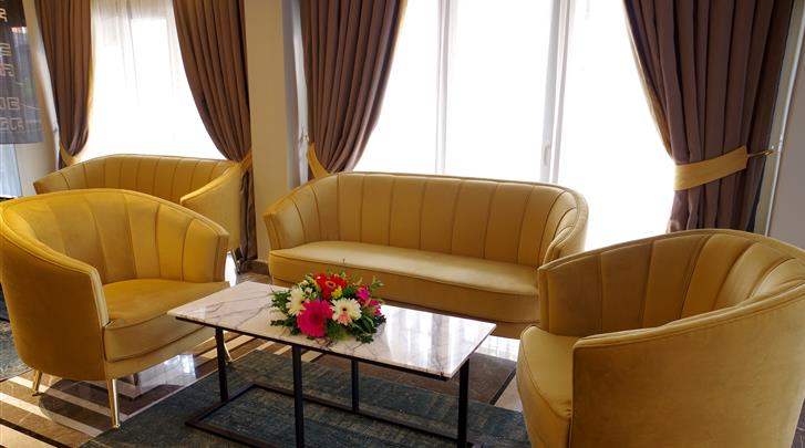 Istanbul, Hotel Peyk, Lobby