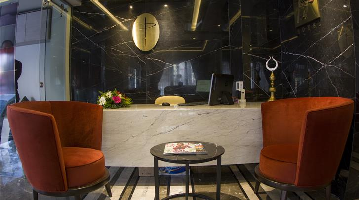Istanbul, Hotel Peyk, Receptie