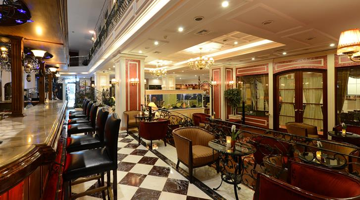 Istanbul, Hotel Yigitalp, Hotel bar