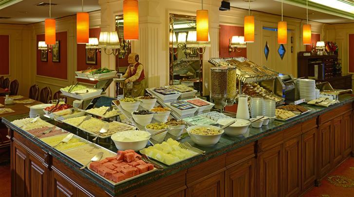 Istanbul, Hotel Yigitalp, Ontbijtbuffet