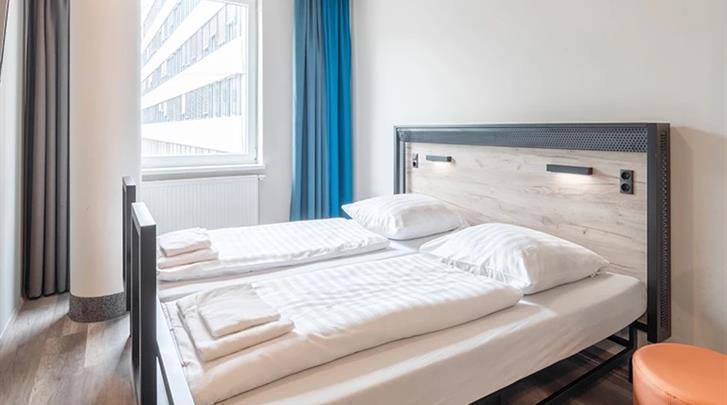 Keulen, Hotel A&O Köln Neumarkt, Standaard kamer