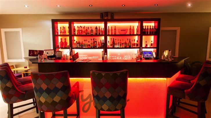 Keulen, Hotel Centro Ayun, Hotel bar