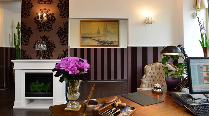 Keulen, Hotel Domspitzen & Domstern, Receptie