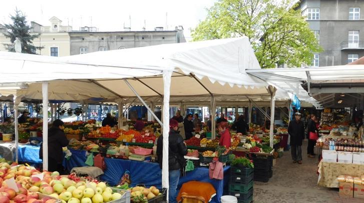 Krakau, Hotel Avena, Gezellige markt direct voor deur van het hotel