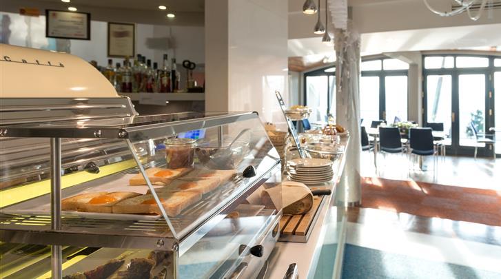 Krakau, Hotel Niebieski Art, Ontbijtbuffet