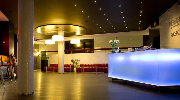 Krakau, Hotel Pension Blue Swan, Receptie in hoofdgebouw (Hotel Niebieski)