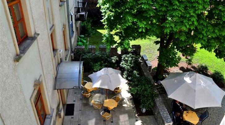 Krakau, Hotel Pension Blue Swan, Restaurant-Pizzeria 'Il Fresco' - terras