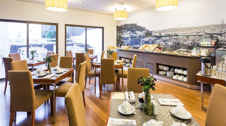 Lissabon, Aparthotel Legendary Lisboa Suites, Ontbijtruimte