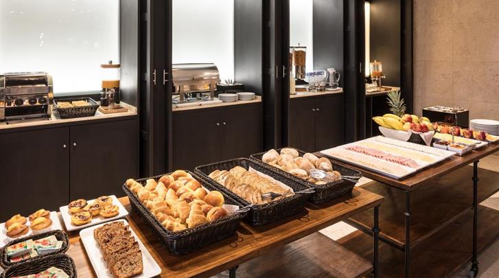 Lissabon, Hotel Dom Carlos Park, Ontbijtbuffet