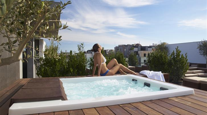 Lissabon, Hotel Porto Bay Liberdade, Dakterras met Whirlpool