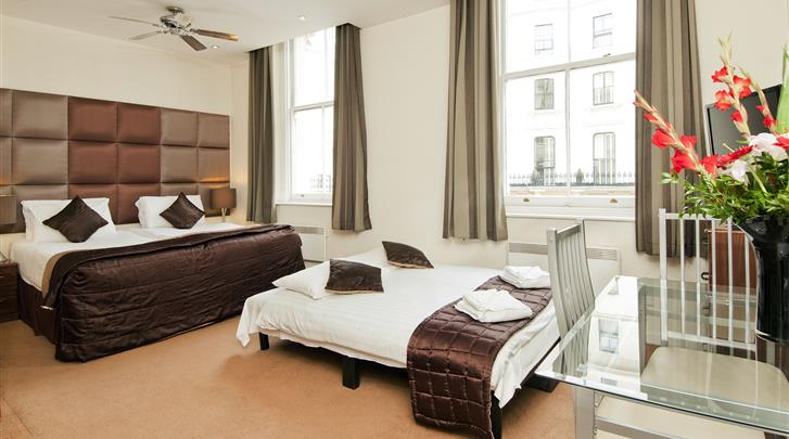 Londen, Hotel Grand Plaza, Studio
