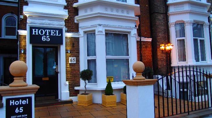 Londen, Hotel 65, Façade hotel