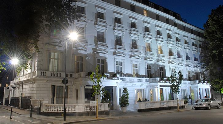 Londen, Hotel Henry VIII, Façade hotel