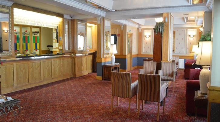 Londen, Hotel Holiday Villa