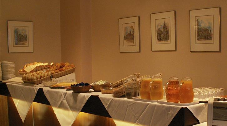 Londen, Hotel Lancaster Hall, Ontbijtbuffet