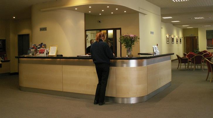 Londen, Hotel Lancaster Hall, Receptie