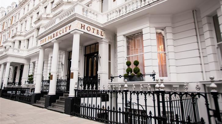Londen, Hotel Park City Grand Plaza Kensington, Façade hotel