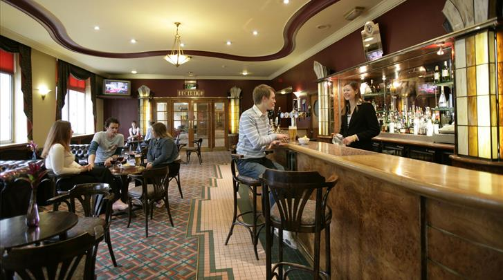Londen, Hotel Tavistock, Hotel bar