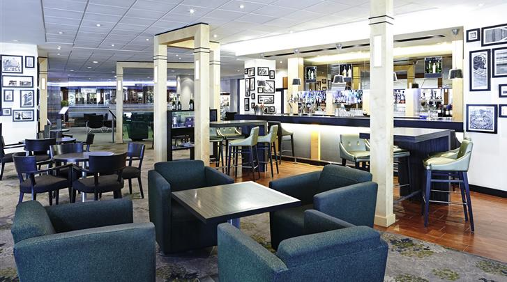 Londen, Novotel London West, Hotel bar