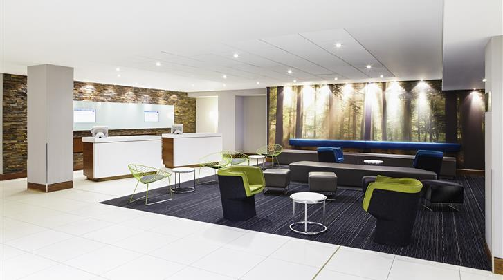 Londen, Novotel London West, Lobby