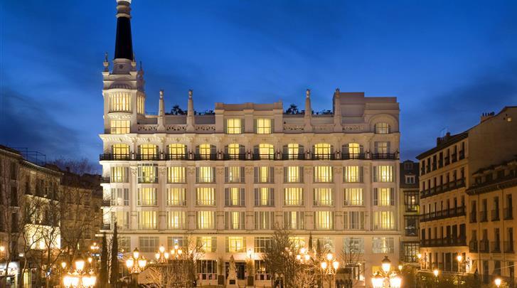 Madrid, Hotel ME Madrid Reina Victoria, Façade hotel