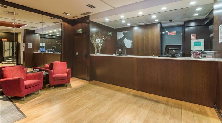 Madrid, Hotel Petit Palace Cliper, Receptie
