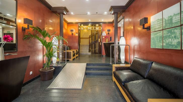 Madrid, Hotel Petit Palace Preciados, Lobby