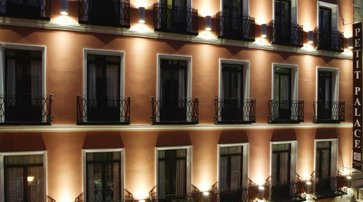 Madrid, Hotel Petit Palace Tres Cruses, Façade hotel