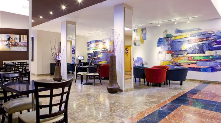 Madrid, Hotel Puerta de Toledo, Lobby