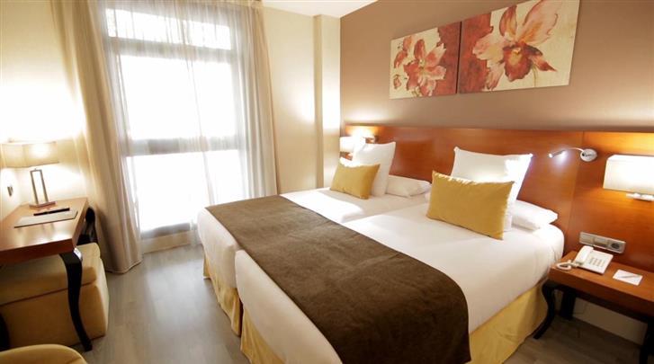 Madrid, Hotel Puerta de Toledo, Standaard kamer