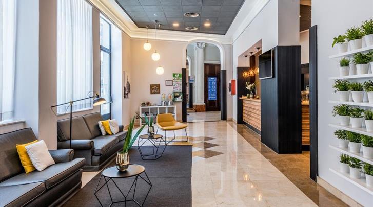 Madrid, Hotel Tryp Atocha, Lobby