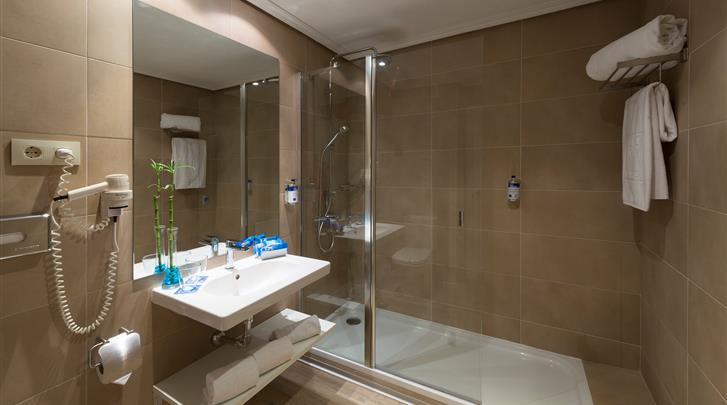 Madrid, Hotel Tryp Gran Via, Badkamer