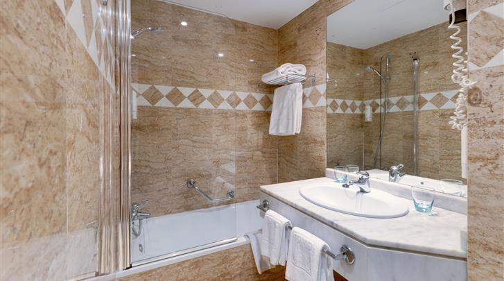 Madrid, Hotel Tryp Madrid Centro, Badkamer